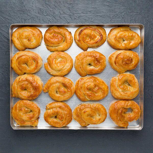 İkramla - Ispanaklı Gül Böreği (1 Tepsi - 16 Adet)